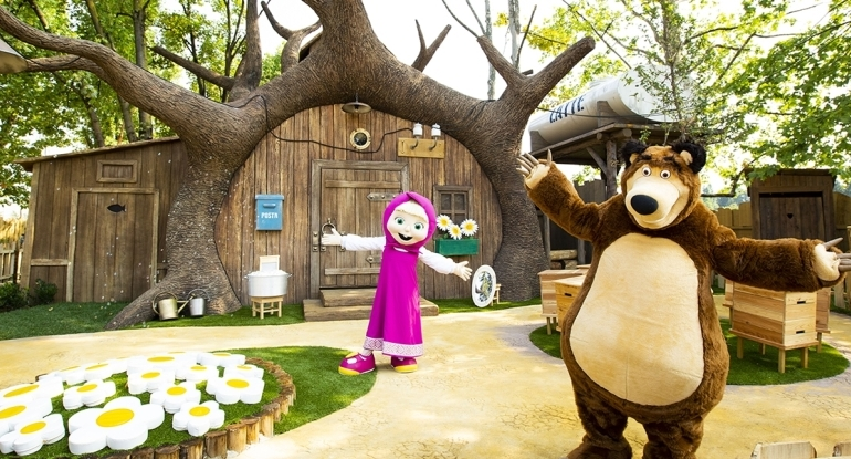 Cartoon Characters at our Theme Park – Leolandia